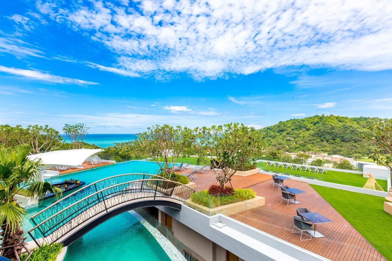Crest Resort & Pool Villas