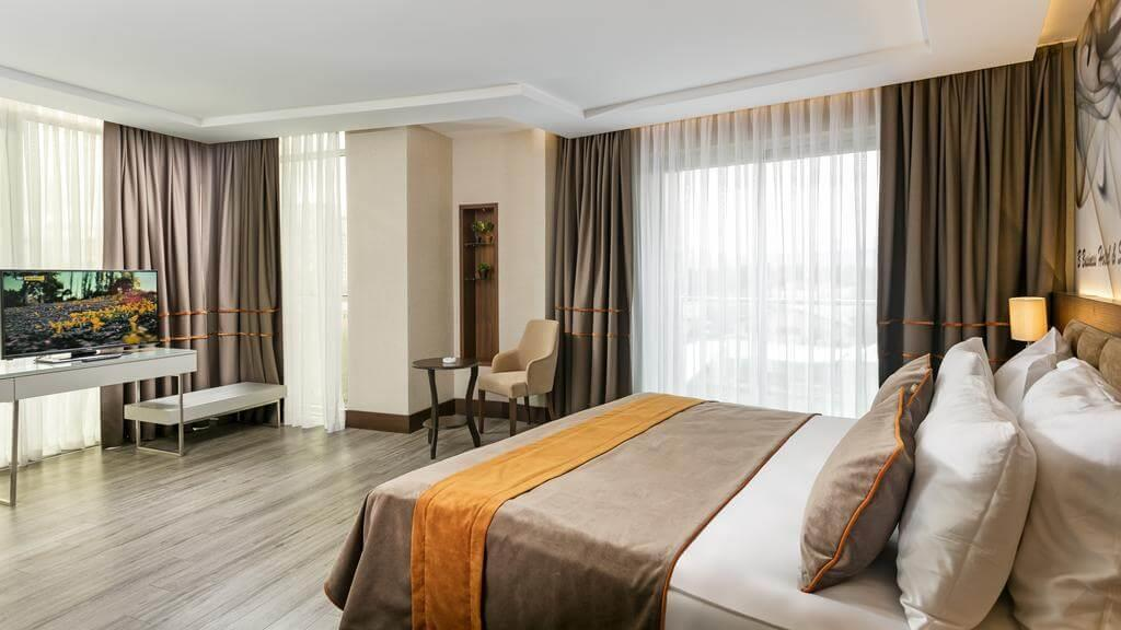 B Business Hotel & Spa 4*