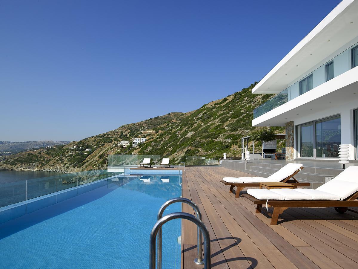 Epavli Luxury Villa