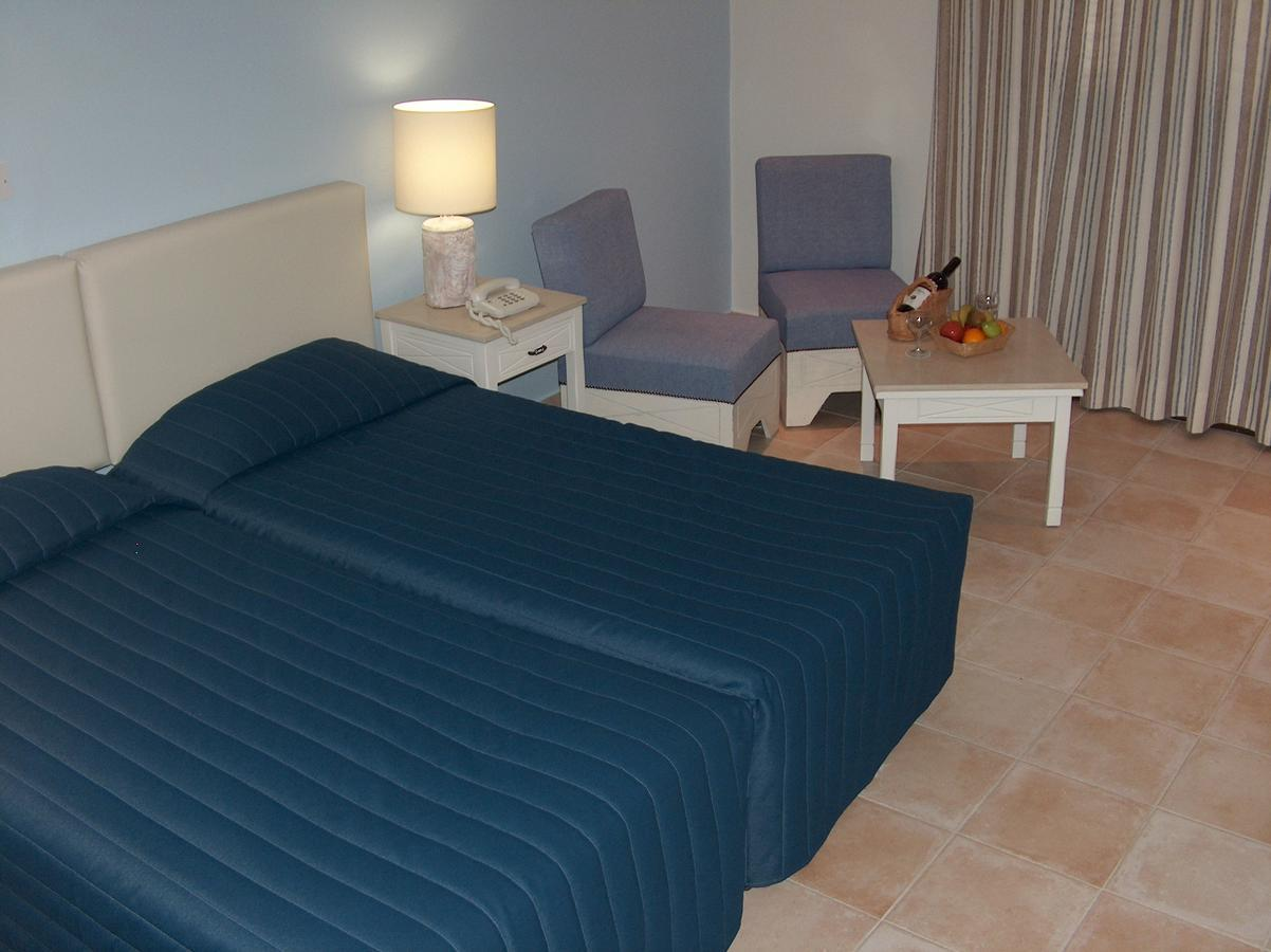 Фото отдыхающих отеля оазис адлер фендер производил