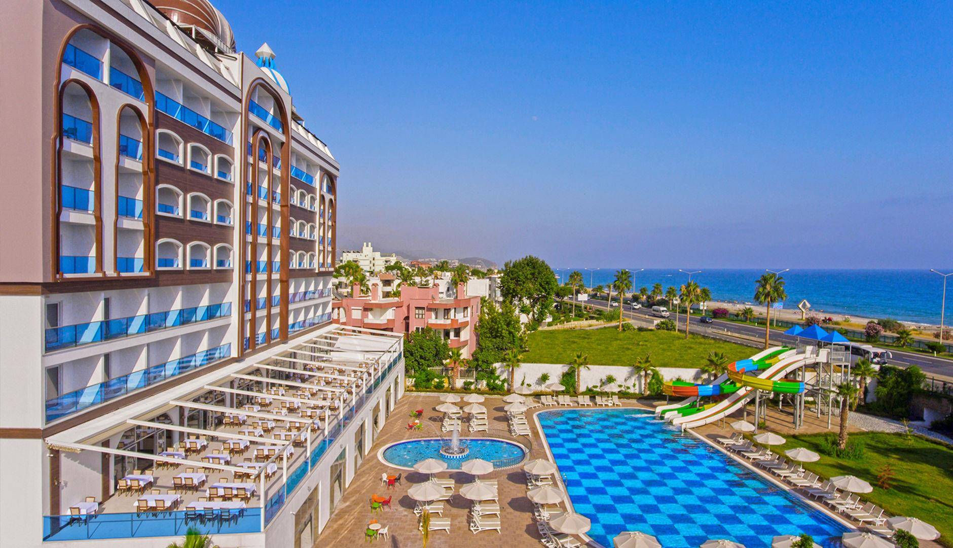 Azur Resort & Spa 5*