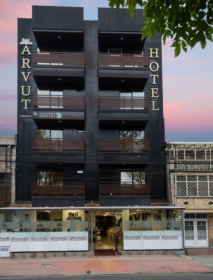 Hotel Arvut Collection