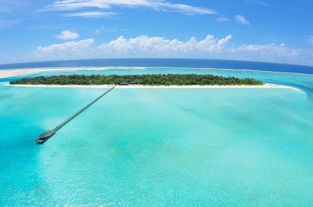 be33ce965275 Туры в отель Holiday Island Resort   Spa Мальдивы из Москвы