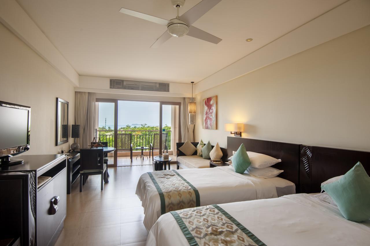 Howard Johnson Resort