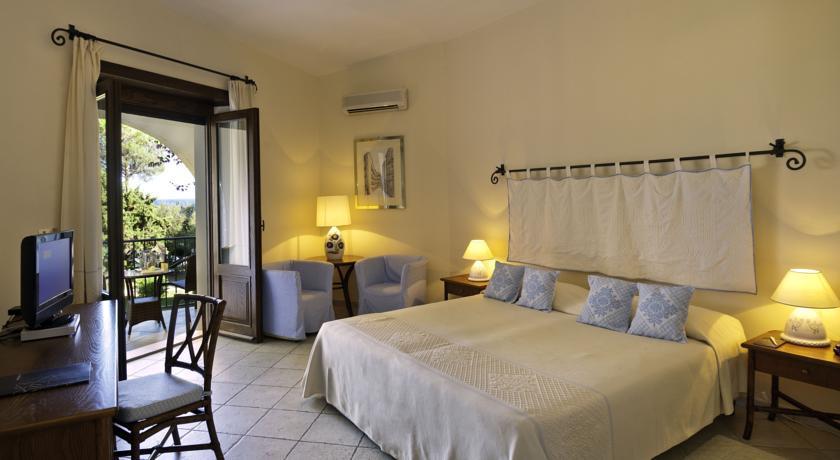 Acquistare una camera in hotel in Sardegna