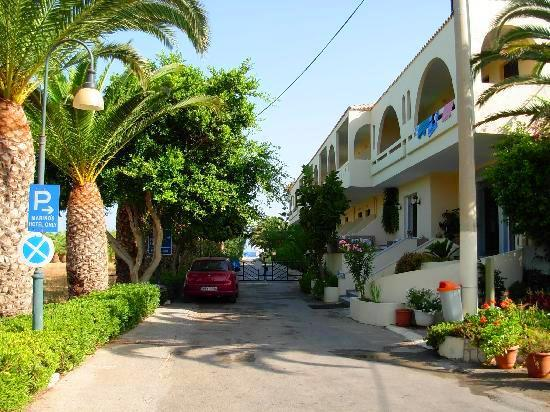 Marinos Beach Aparthotel