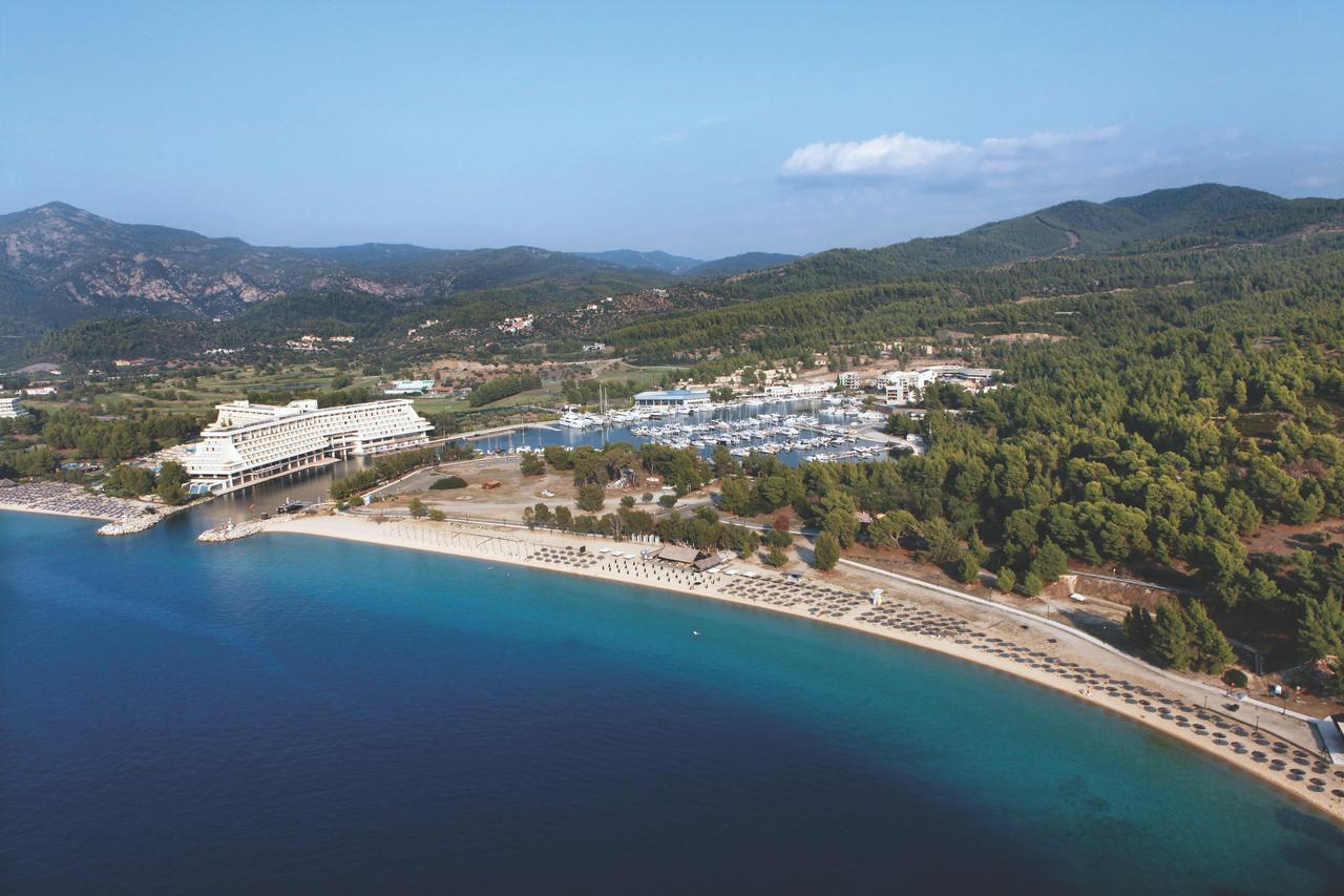 Отель в остров Порто-Каррас цены