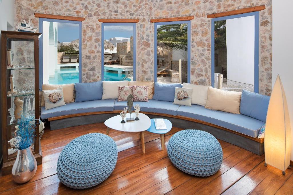 Meltemi Luxury Suites