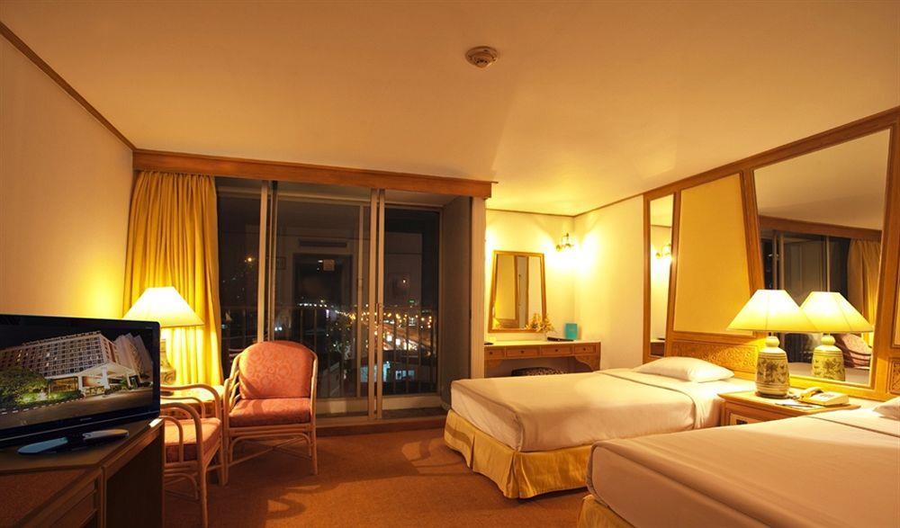 Montien Hotel