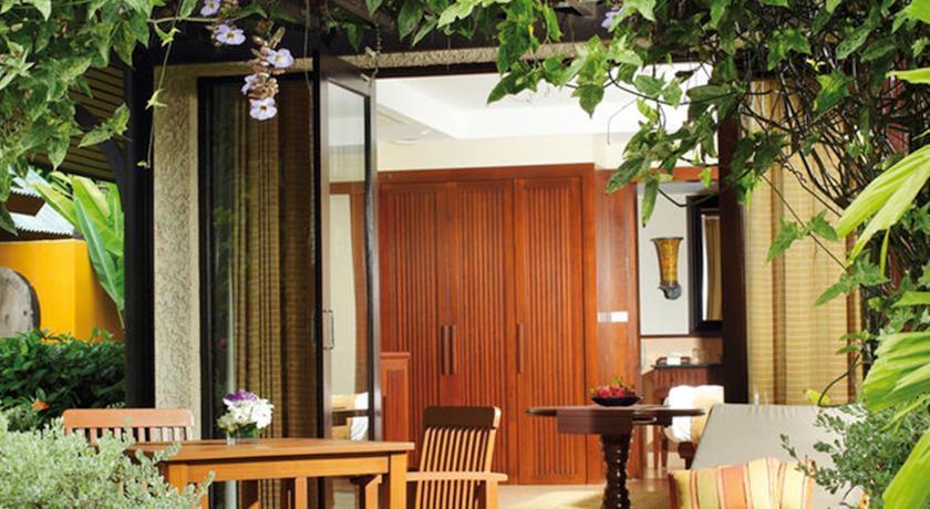 Movenpick Resort & Spa Karon Beach Phuket