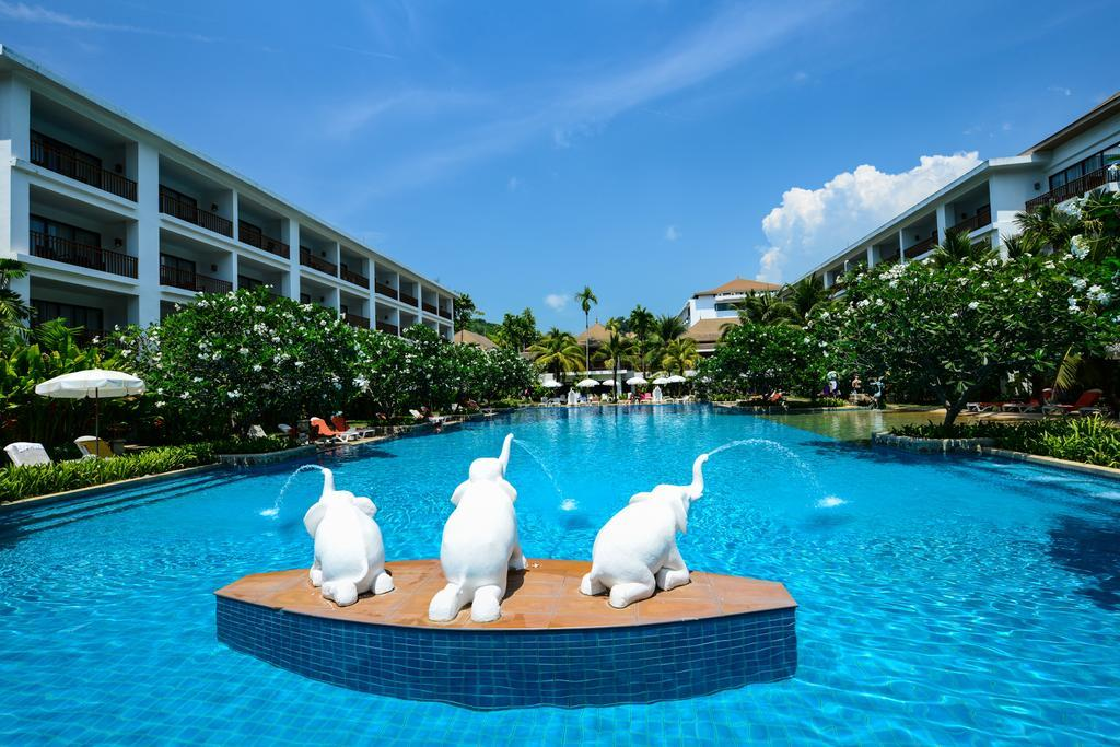 Фото отеля Naithonburi Beach Resort 4*