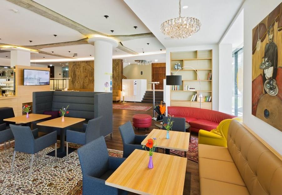 At the Park Hotel 4*