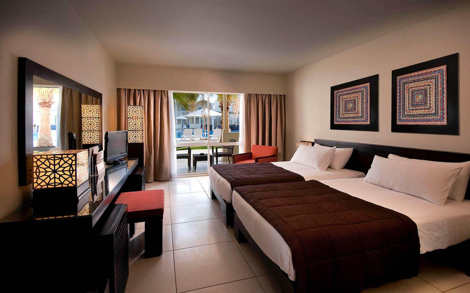 Reef Oasis Beach Resort 5*
