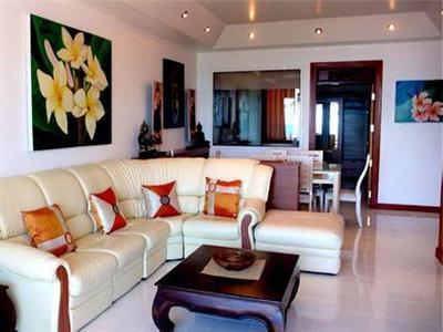 Royal Living Residence