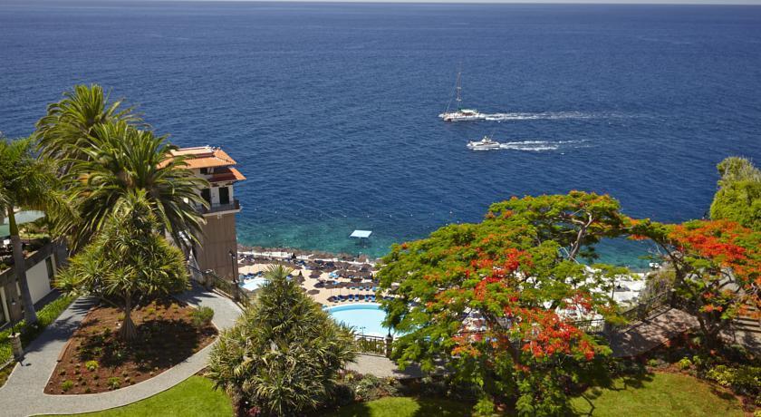 Cliff Bay