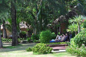 Twinbay Resort & Spa