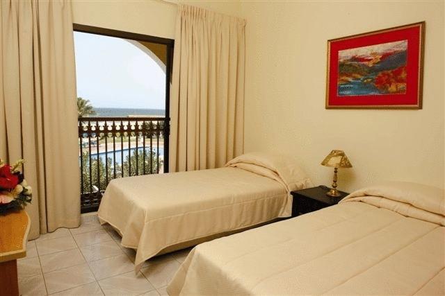 Фотографии отеля barracuda beach resort 3* (барракуда бич резорт) умм аль кувейн оаэ
