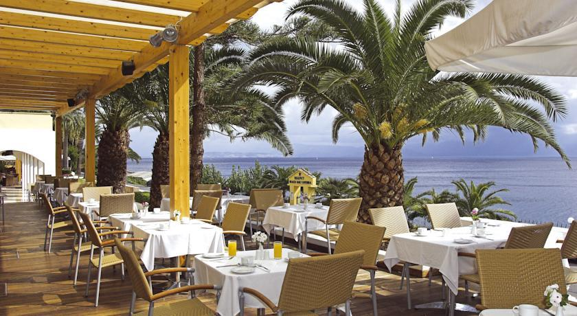 Гостиницу в Корфу на побережье