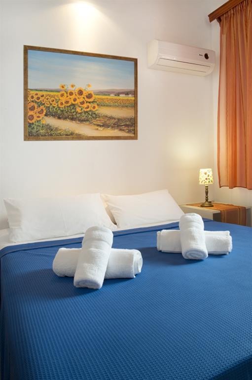 Kotronas Bay Hotel