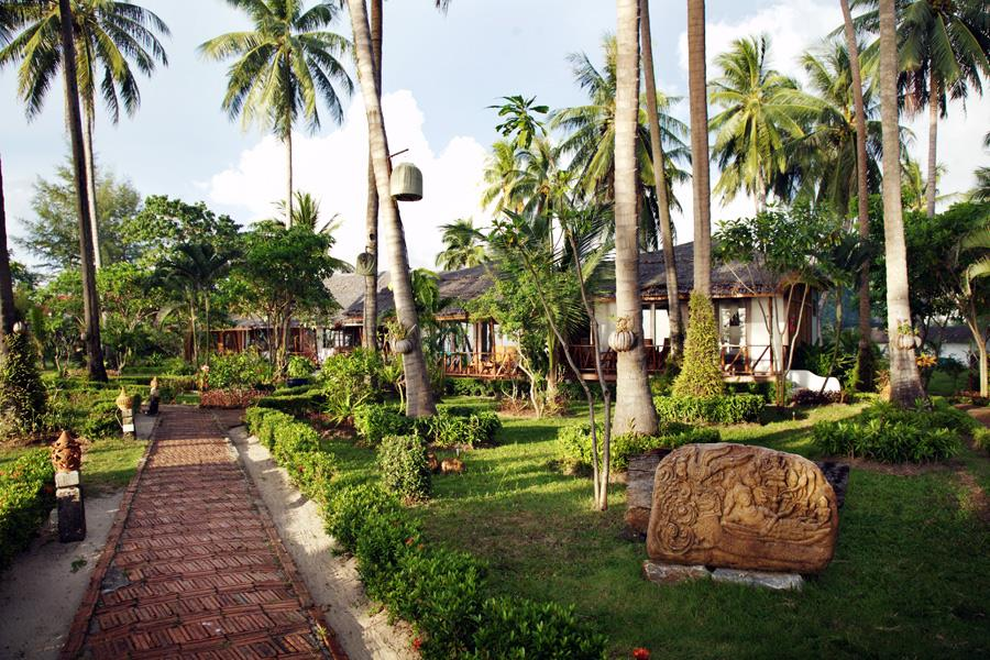 Lipa Lodge Beach Resort
