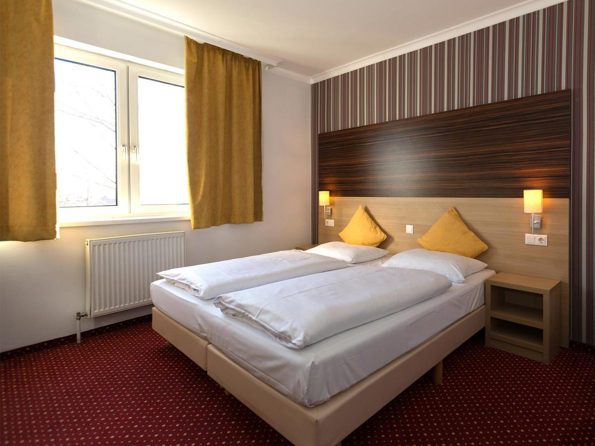 Arion Airport Hotel 3*