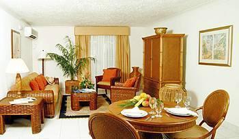 Amaryllis Beach Resort