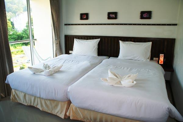 AThome Hotel two @Nanai 8 & Thai Kitchen