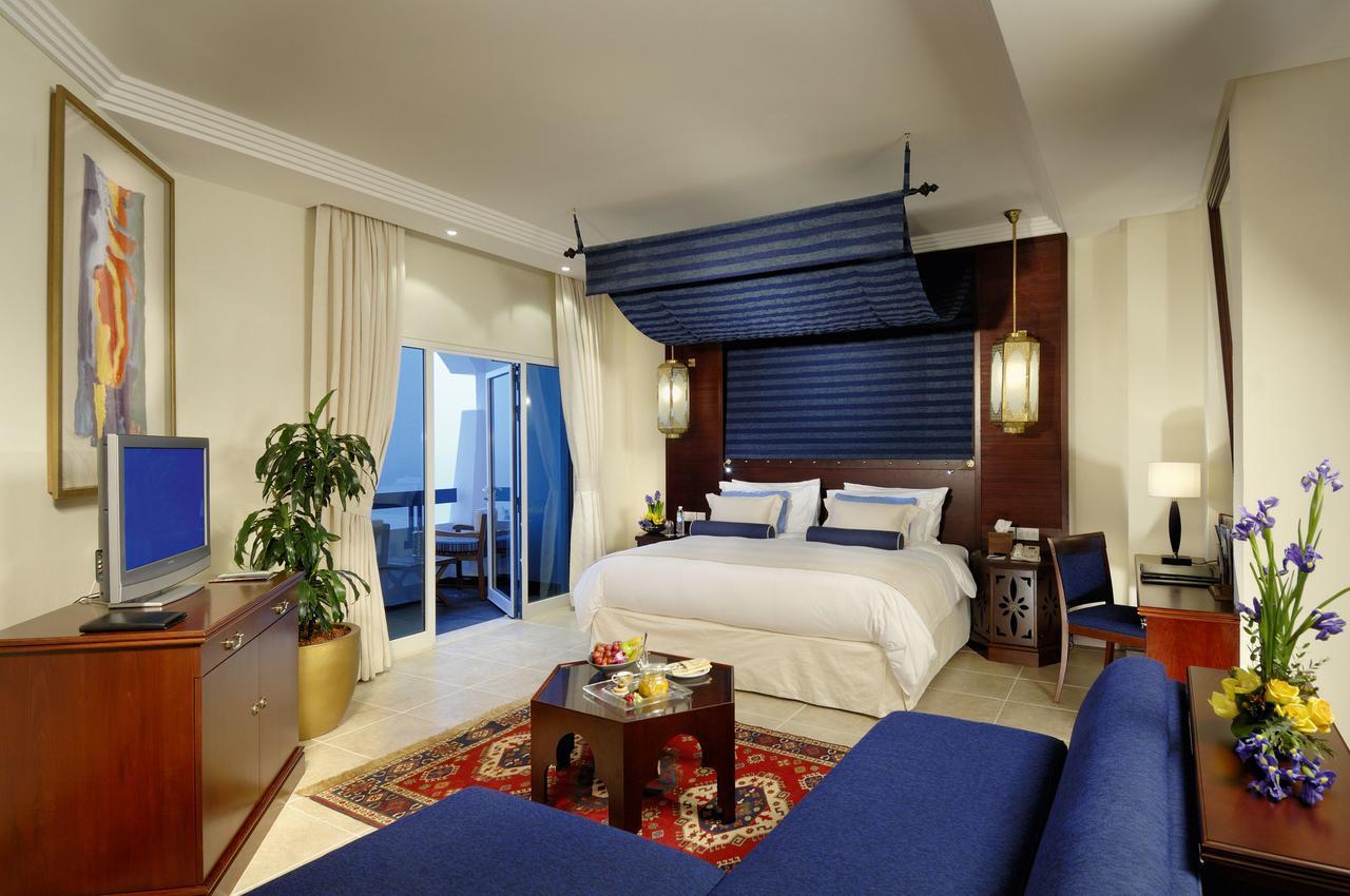 Ajman Hotel