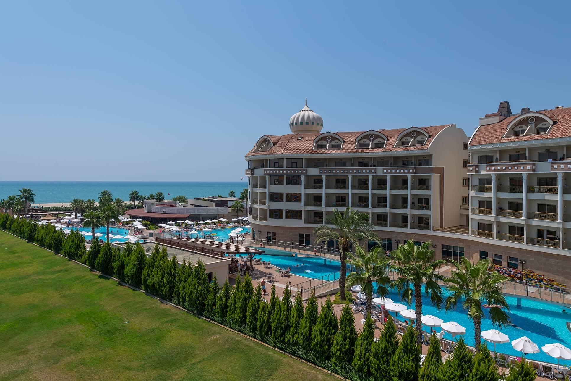 Kirman Belazur Resort & Spa 5*