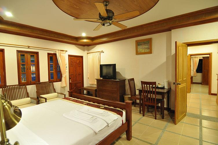 Chalong Villa Resort & Spa