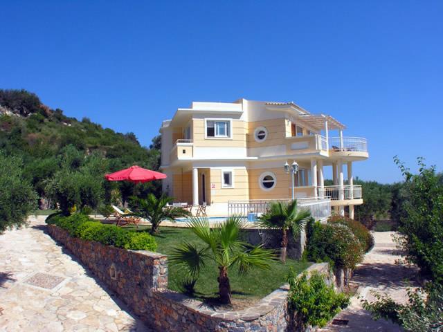 Новые виллы в Крит от застройщика