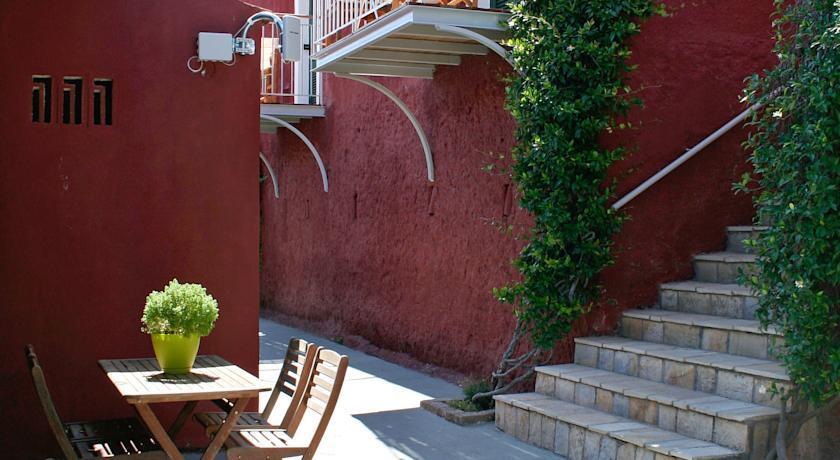 Zefiros Traditional Hotel