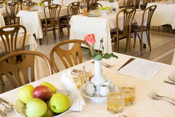 http://hotels.sletat.ru/i/f/87794_41.jpg