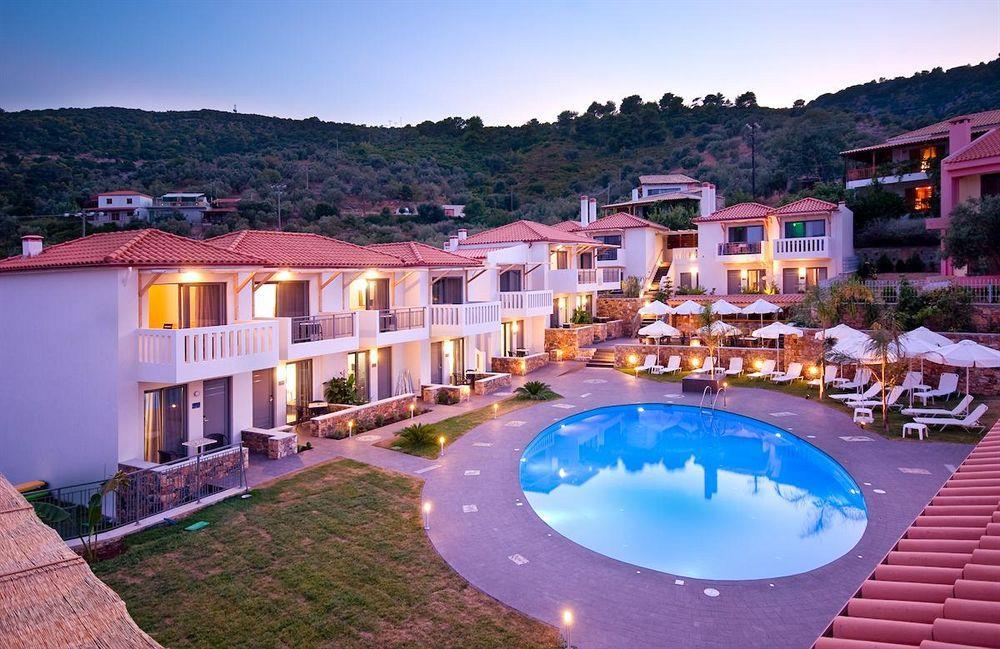 Кинира, Тасос, Греция