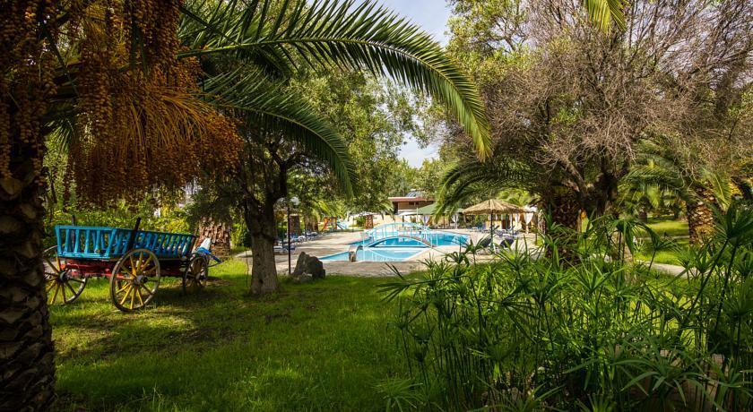 Koviou Holiday Village