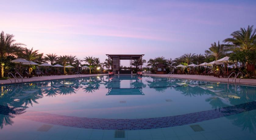 Aloha Oceanfront Suite Resort