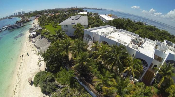 Maya Caribe Beach House Hotel - фото 1