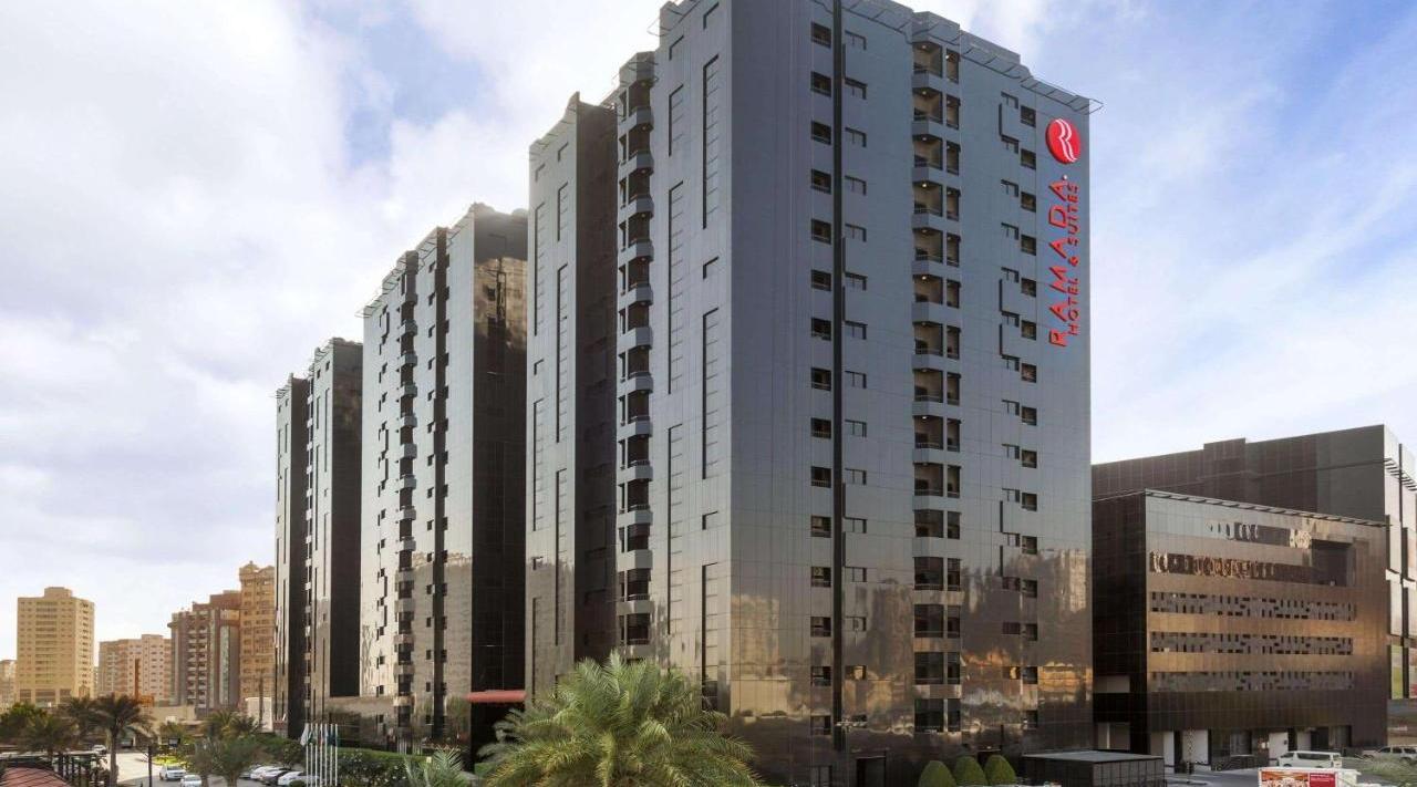 Ramada Hotel & Suites Ajman - фото 1