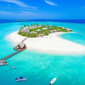 Dhigufaru Island Resort (5 *****)
