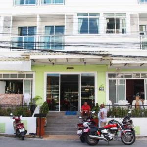 Enjoy Hotel (3*)