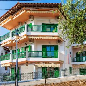 Xenios Loutra Village (***)