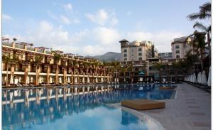 отель Cratos Premium Hotel Casino Port Spa