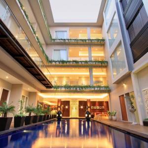 Ohana Hotel Kuta (4*)