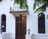 Old Pitius Hotel