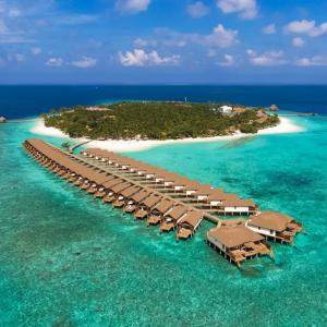Reethi Faru Resort (4 ****)