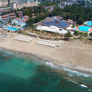 Bayar Garden Beach Holiday Village (4 *)