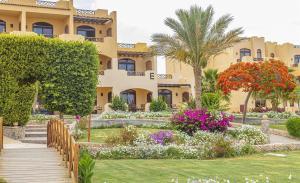 отель Elphistone Resort