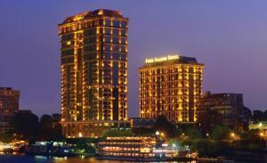 отель Four Seasons Hotel Cairo at The First Residence