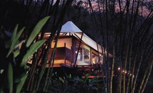 отель Four Seasons Tented Camp Golden Triangle