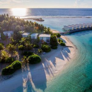 Holiday Inn Resort Kandooma Maldives (4 ****)